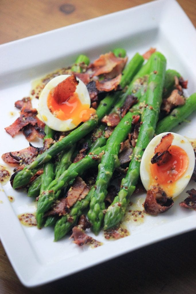 My PCOS Kitchen - Asparagus Bacon Salad -  An amazing gluten-free, dairy-free and sugar-free salad topped with delicious crispy bacon!