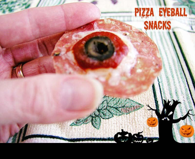 My PCOS Kitchen - Beauty and the Foodie - Low Carb Halloween Recipes Roundup - Grain free, easy to make Paleo Pizza Eyeball Snacks with low carb primal version. A zero carb snack.